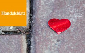 Ein Herz auf dem Boden
