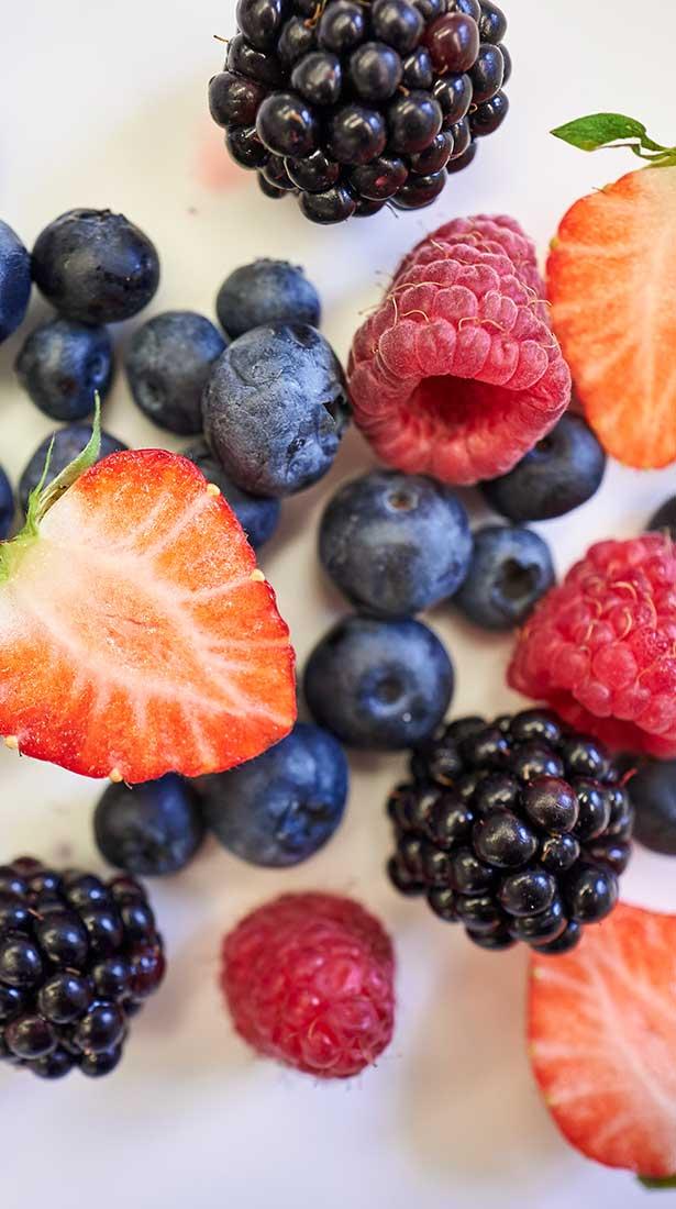 Ernährungsberatung - Verschiedene Beeren