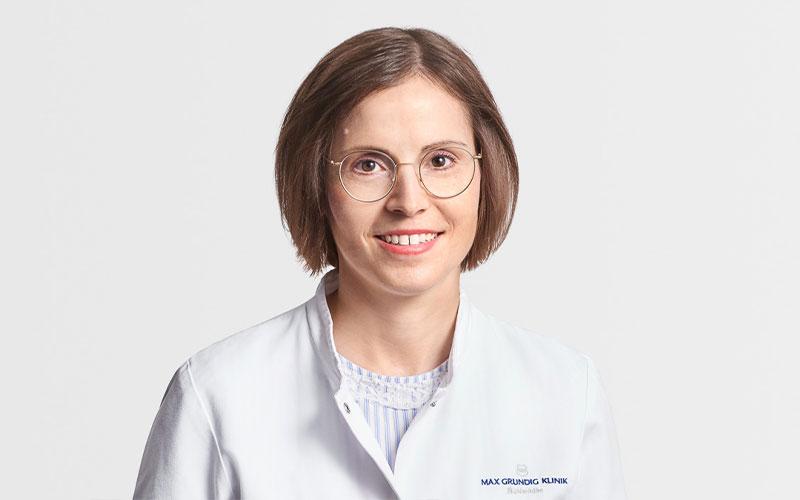 Dr. med. Dipl. Inf. Sonja Mayer, Oberärztin, Fachärztin Kardiologie, Innere Medizin, Notfallmedizin, Hypertensiologin DHL