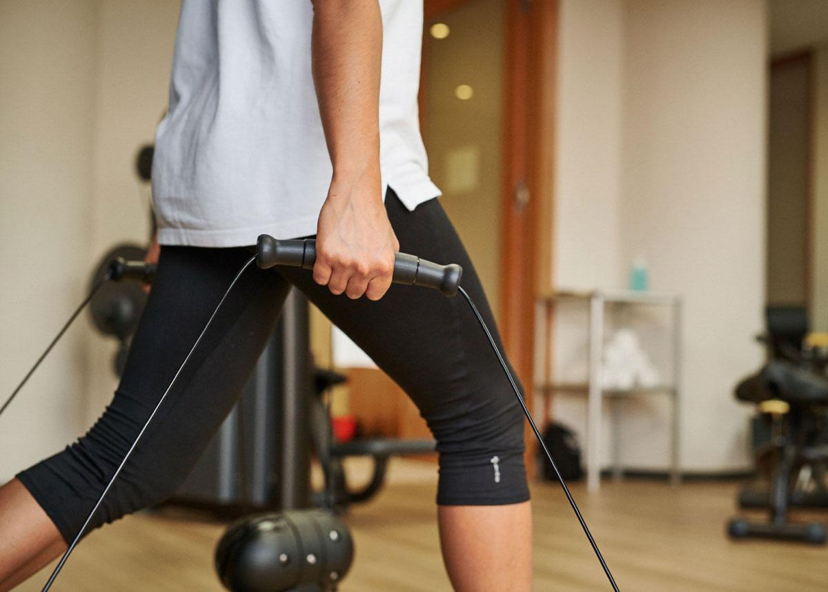 Frau bei Fitnesstraining