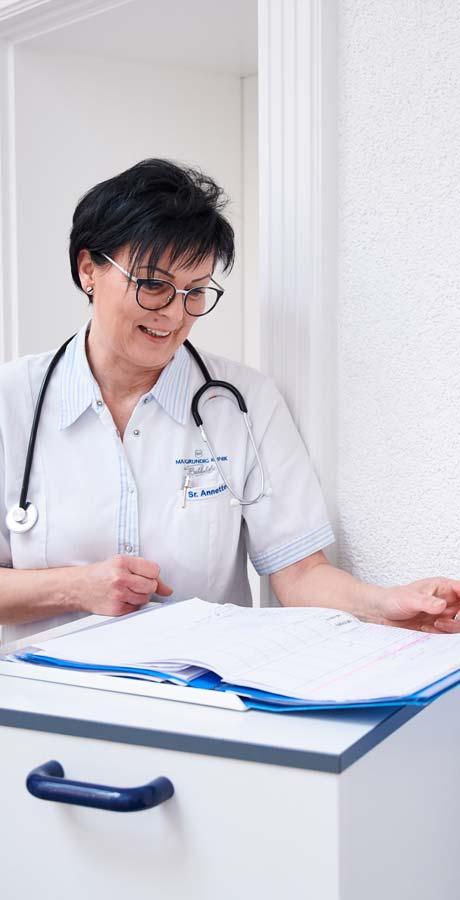 Krankenschwester während der Planung