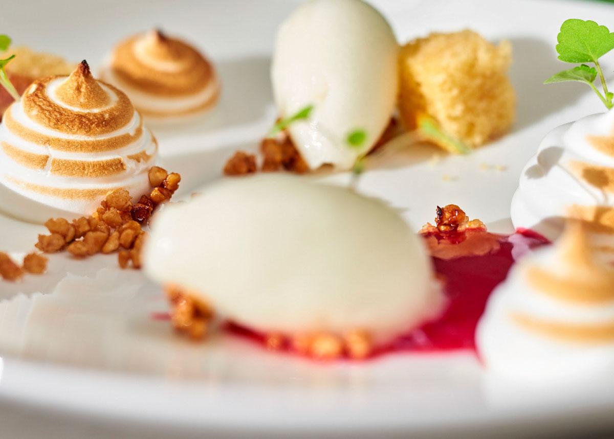 Dessert im Restaurant der Max Grundig Klinik