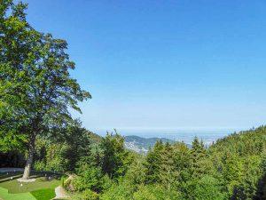 Ausblick von der Bühler Höhe mit Puttinggreen
