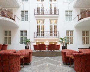Foyer der Max Grundig Klinik